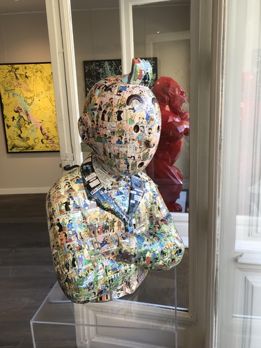 """TINTIN Bras croisés - """"Le Manteau de l'enfance"""" Bijoux castafiore (60 cm)"""